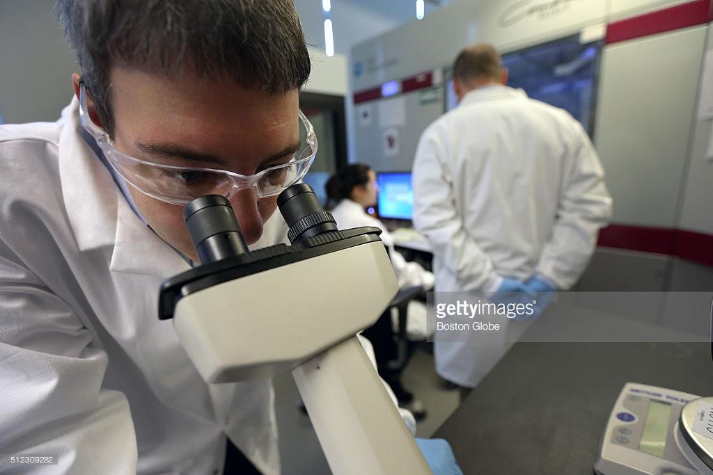 Pergeseran Trend Pengembangan Obat Baru di Industri Farmasi Dunia dan Permasalahannya