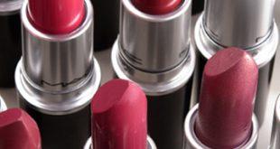 Begini Caranya Lipstik Mempercantik dan Melembabkan Bibir